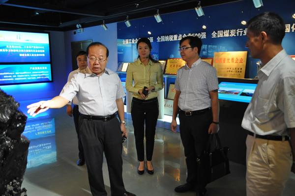 上海白鹤客人深入公司参观考察